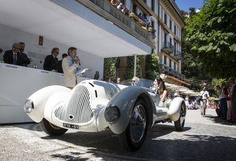 Italiennes à la fête au concours d'Élégance de la Villa d'Este #1