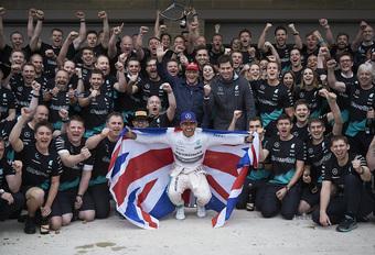 Lewis Hamilton voor de derde keer wereldkampioen Formule 1 #1