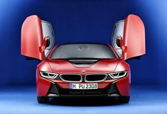 Waarom zet BMW deze i8 in de bloedrode lak? #1