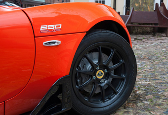 Lotus Elise Cup 250 krijgt Carbon Aero Pack #1