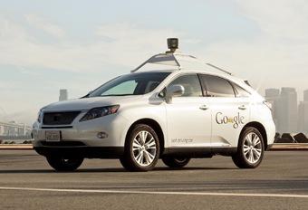 Lexus Google Car veroorzaakt ongeval #1