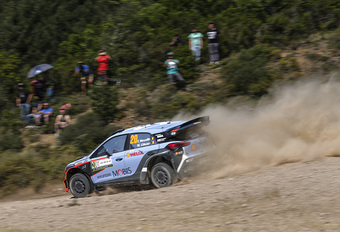 Thierry Neuville helemaal terug met schitterende WRC-zege in Sardinië #1