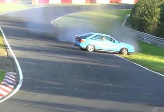 En Audi S2 sur le Nürburgring : gros coup de chance #1