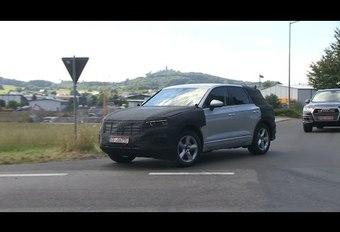 Toekomstige Volkswagen Touareg: gespot op de weg #1