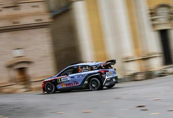 Thierry Neuville verstevigt tweede plaats in rally van Corsica #1