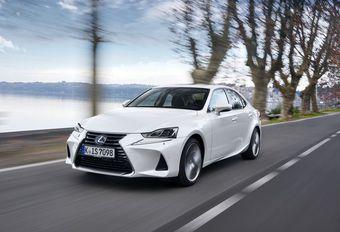 Lexus IS 300h: facelift en enkel nog hybride #1