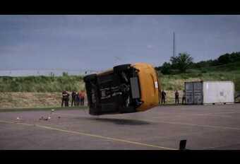 Volvo XC60: koprol en frontale crash #1