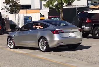 Tesla Model 3 is bijna klaar #1