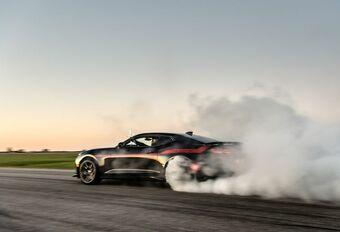 Hennessey transformeert de reeds redelijk zotte Chevrolet Camaro ZL1 in deze voortdurend in rubbernevel gehulde The Exorcist, wiens V8-krachtbron liefst 1.000 pk ontwikkelt.