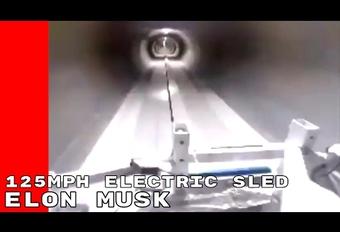 Tegen 200 km/h door een tunnel van Elon Musk #1