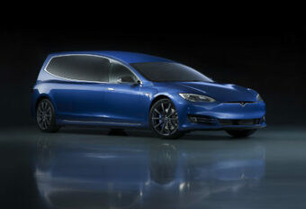 Tesla omgebouwd tot lijkwagen #1