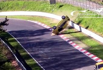 BIJZONDER – Astra volledig gesloopt op de Nürburgring #1