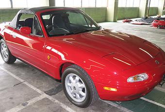 Mazda restaureert MX-5's #1
