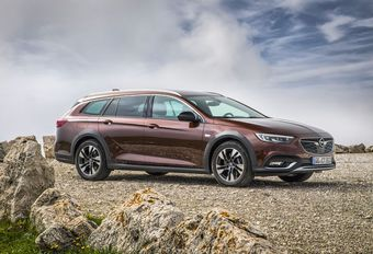 Opel Insignia krijgt 2.0 Bi-Turbodiesel met 210 pk #1