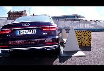 Avec son Pre Sense Side, l'Audi A8 se soulève pour vous protéger #1