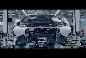 VIDÉO - BMW i8 Roadster : l'effeuillage se poursuit sur la toile...    #1