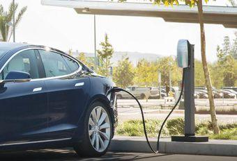 Un plan pour charger sa Tesla au boulot #1