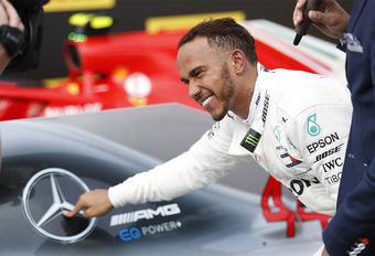 Lewis Hamilton verlengt zijn Mercedes-contract met twee jaar #1