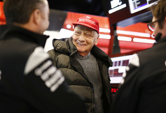 Niki Lauda na longoperatie weer uit coma #1