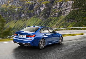BMW bundelt de belangrijkste informatie over de nieuwe, zonet op het Autosalon van Parijs voorgestelde 3 Reeks in een compacte video.