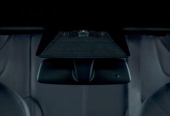 Tesla: camera aan de voorkant wordt dashcam #1