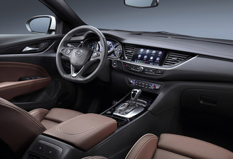 Opel Insignia krijgt verbeterd infotainmentsysteem #1
