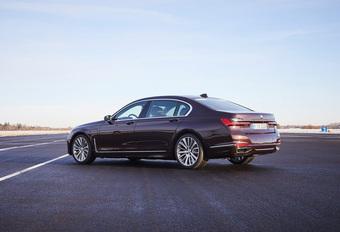 BMW 745e: aan de stekker #1