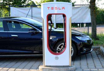 Tesla in brand gevlogen in Antwerpen #1