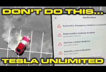 Tesla Model S : des donuts possibles ! #1