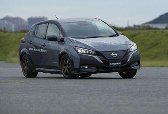 Nissan Leaf met 2 motoren en vierwielaandrijving #1