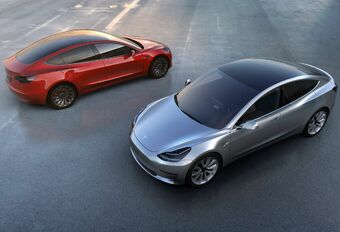700.000 dollars pour hacker la Tesla Model 3 #1
