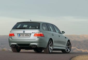 BMW jaloers op RS6 Avant, denkt opnieuw aan M5 Touring #1