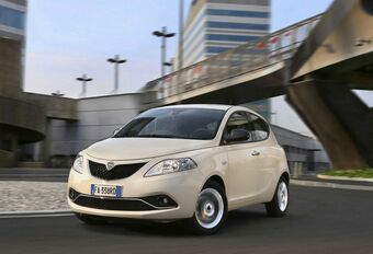Lancia Ypsilon Hybrid: enkel in Italië #1