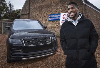 Bokskampioen Anthony Joshua krijgt unieke Range Rover SVA #1