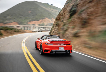 Porsche 911 Turbo S Sport Design ziet er superdik uit #1