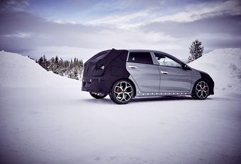 Hyundai i20 N test in de sneeuw met Neuville #1