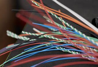 Kosten elektronica wegen zwaar door in de prijs van een auto #1