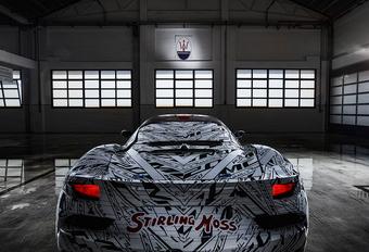 Maserati draagt prototype MC20 op aan Stirling Moss #1