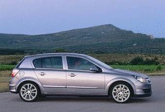 Alfa Romeo 147 1.6 TS 105, Mazda 3 1.6, Opel Astra 1.6, Peugeot 307 1.6 16V, Toyota Corolla 1.6 #1