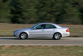 Audi A8 4.2 Quattro face à la BMW 545i et à la Mercedes E500 #1