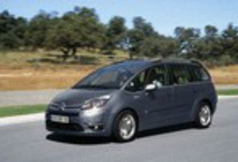 Citroën Grand C4 Picasso 2.0 HDi, Renault Grand Scénic 1.9 dCi 130 & Toyota Verso 2.0 D-4D : Dubbel offensief #1