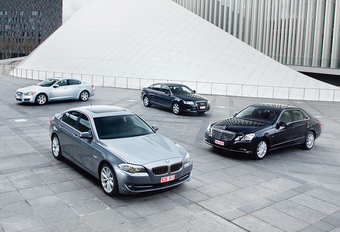 Audi A6 3.0 TDI, BMW 530d, Jaguar XF 3.0D & Mercedes E 350 CDI : Bienvenu en business #1
