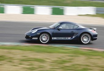 Porsche Cayman R #1