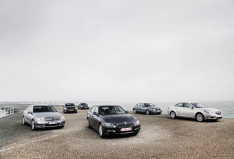 Audi A4, BMW 3-Reeks, Mercedes C-Klasse, Opel Insignia, Peugeot 508 en Volvo S60 : Premium of niet? #1