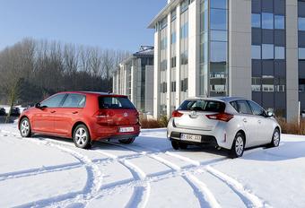 Toyota Auris 1.33 VVT-i en Volkswagen Golf 1.2 TSI : Andere aanpak #1