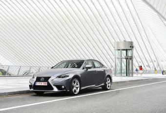 Lexus IS 300h #1