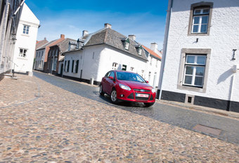 FORD FOCUS 1.0 ECOBOOST 100 : Driespan #1