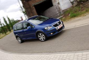 VW CROSSTOURAN 1.4 TSI DSG : Casual Friday #1