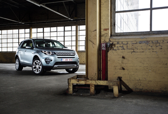 Land Rover Discovery Sport TD4 HSE #1