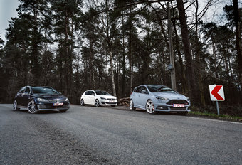 FORD FOCUS ST // PEUGEOT 308 GT // VOLKSWAGEN GOLF GTD : Big boy toys #1